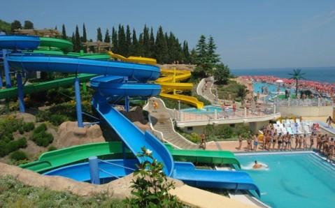 """Aquapark """"Mindal'naja Roschtscha"""""""
