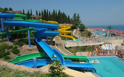 "Le parc aquatique ""Mindalnaia rochtcha"""