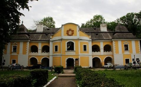 Pereni Palace