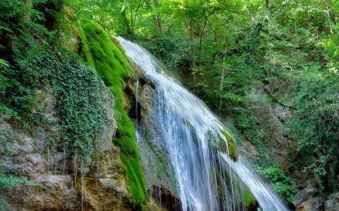 Salto de agua Dzhur-Dzhur