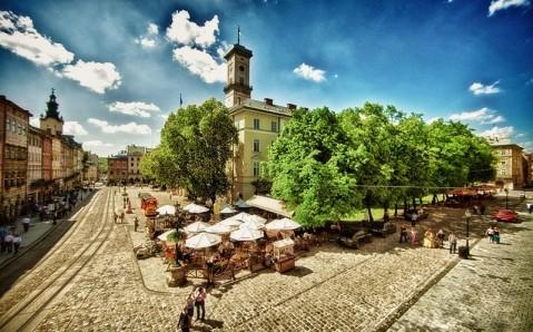 Где провести майские праздники в Украине